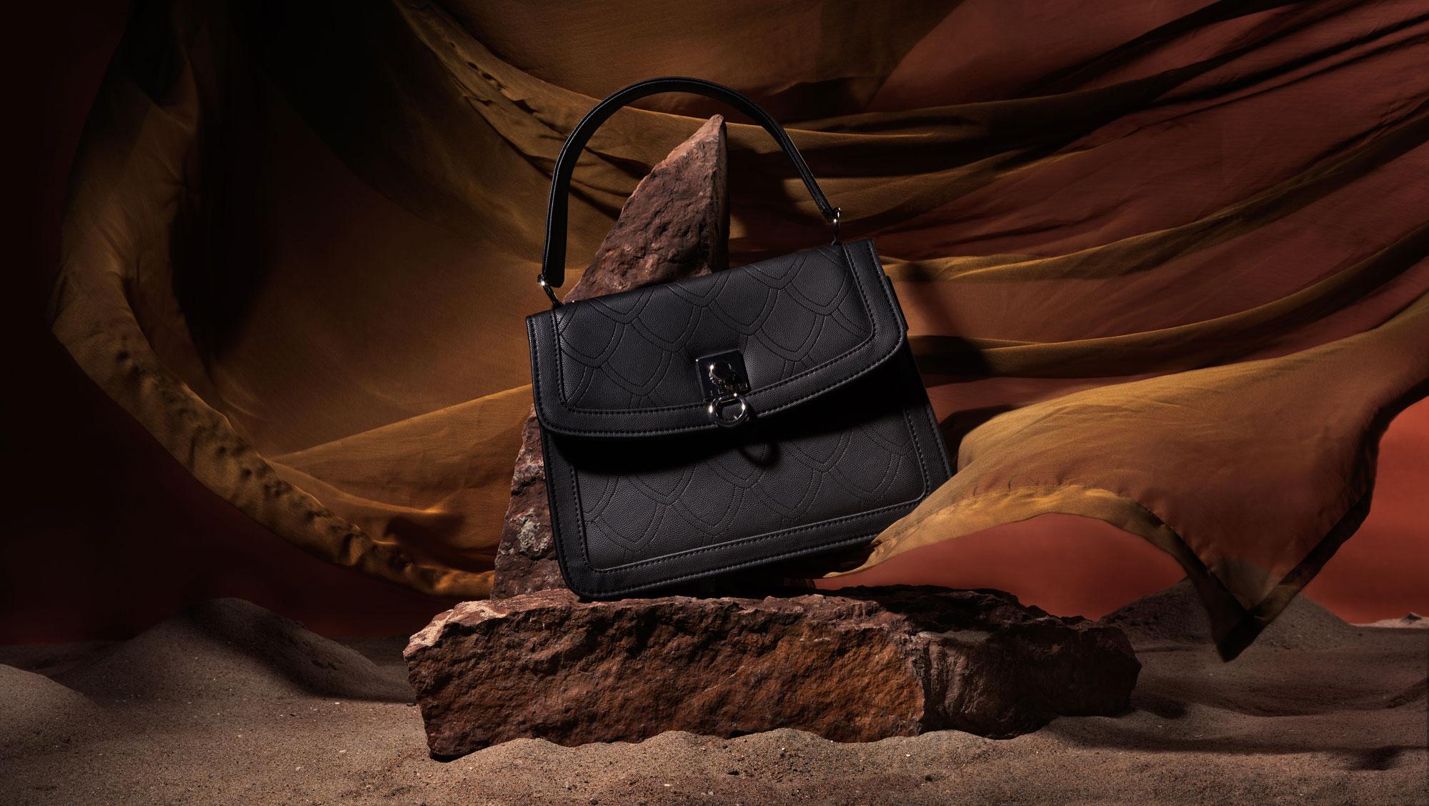 ILNI-Handbag-Augustina-Black-Embroided