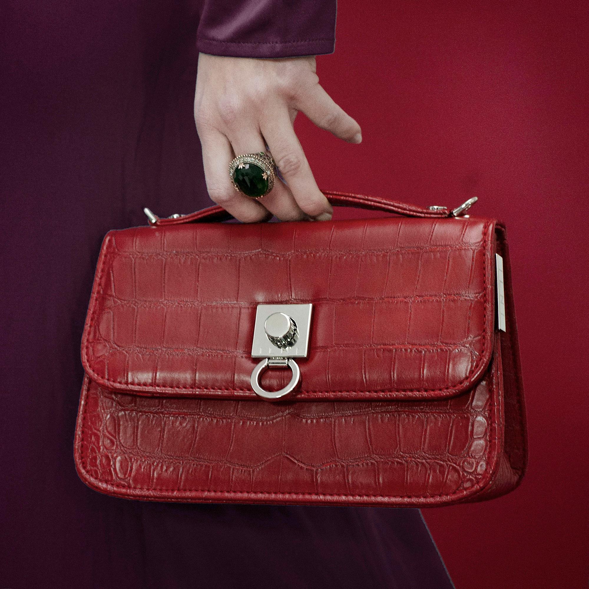 INLI-Cresces-Red-handbag